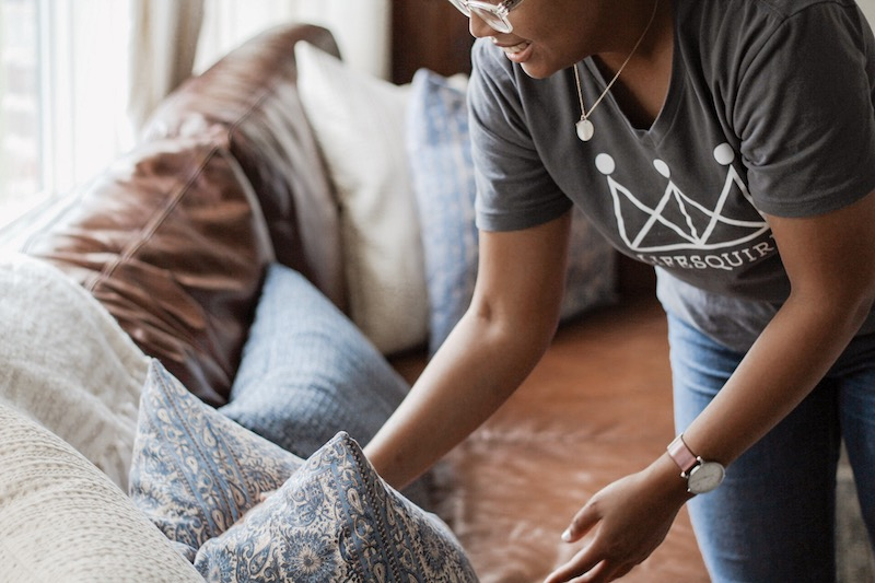 personal assistant service cleaning up house